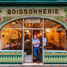 Historical, beautiful, stunning storefronts of Paris - The former 'Poissonnerie', 69 rue de Seine - Paris. so much beauty to glance at. This is Paris indeed. Cire Trudon, Bar Deco, Vinyl Record Shop, Ceramic Workshop, Paris Shopping, Paris Store, Shopping Travel, Shop Fronts, Shop Around