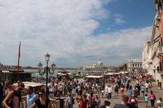 marcus place in venice fomouse many ppl there