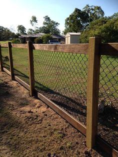 Inexpensive Diy Backyard Privacy Fence Design Ideas On A Budget Patio Fence, Backyard Privacy, Farm Fence, Diy Fence, Backyard Fences, Backyard Landscaping, Landscaping Ideas, Cheap Garden Fencing, Horse Fence
