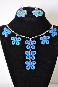 Hand made blue and purple paper quilling necklace