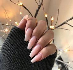 I like how natural and clean these nails look!