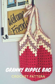 if this is not the coolest little crochet granny ripple bag pattern, i don't know what is! love the colors pictured, so creative and pretty. #crochetbag #crochetbagpattern #crochetmarketbag #crochettotebag #crochetpatterns #affiliate #crochetgrannybag #gr