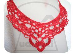 """Producción propia By Uchiloki: Crocheted Elegant Necklace 2.0 Realizado con la técnica de crochet con hilo fino 100% algodón en color coral  Medidas aproximadas: motivo en crochet (sin contar la cinta) ancho máximo de la """"V"""" 16.5cm, alto desde el extremo superior al vértice inferior 15.5cm . Medida de las cintas para sujeción: 25cm cada una"""