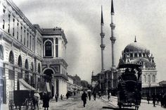tophane 1900 lü yıllar Old Pictures, Old Photos, Ottoman Empire, Art And Architecture, Istanbul, Art History, Taj Mahal, Street View, City