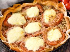 pâte feuilletée, thon, tomate, crême fraîche, gruyère râpé