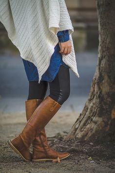 theblogbook | fashion | knitted poncho with denim blouse and leather boots
