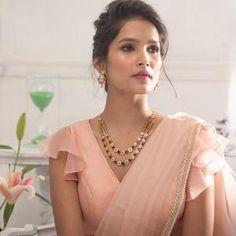 New Saree Blouse Designs, Saree Blouse Neck Designs, Fancy Blouse Designs, Bridal Blouse Designs, Latest Blouse Designs, Indian Blouse Designs, Choli Blouse Design, Sari Bluse, Embroidery Designs