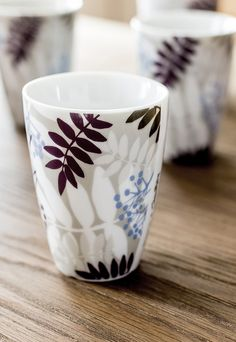 Lovely thermo cups from Sveinbjörg that keeps your coffee warm longer. Practical for cold winter days in Iceland :) Nordic Kitchen, Scandinavian Kitchen, Nordic Living, Oven Glove, Winter Day, Nordic Style, Iceland, Candle Holders, Cups