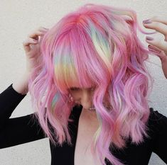 39 Stunning Rainbow Haircuts with Bangs in 2018 Ombre Pastel Hair, Pastel Lavender Hair, Dusty Pink Hair, Neon Hair, Beautiful Hair Color, Cool Hair Color, Hair Colors, Grunge Pastel, Pelo Multicolor
