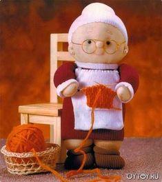 Evde oyuncak yapımı hem zevklidir, hem de stres attırır. Ten çoraptan bebek yapımı resimli anlatım m...