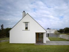 House in Klokočná, Czech Republic, by Studio PHA   Photo by Filip Šlapal
