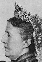 Tiara Mania: Emerald Parure Tiara worn by Queen Sophia of Sweden