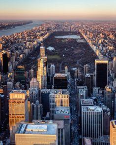 Happy Friday by @craigsbeds #newyorkcityfeelings #nyc #newyork
