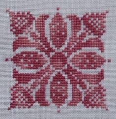This Pin was discovered by Cec Cross Stitch Heart, Cross Stitch Borders, Cross Stitch Alphabet, Cross Stitch Flowers, Cross Stitch Designs, Cross Stitching, Cross Stitch Embroidery, Embroidery Patterns, Cross Stitch Patterns