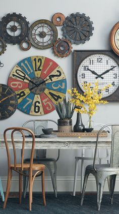 Take the guesswork out of decorating! Get the look with art and complementary décor.