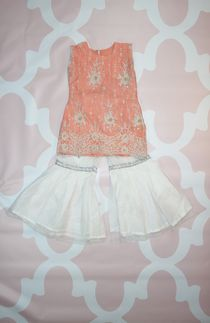 Fashion Clothes For Toddlers Girl Key: 1131239552 Pakistani Kids Dresses, Pakistani Clothes Online, Eid Dresses, Pakistani Outfits, Dresses Online Usa, Baby Girl Accessories, Kids Fashion, Fashion Clothes, Fashion Tips