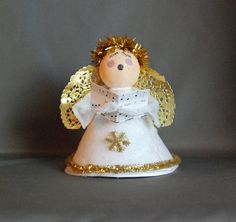 """This is a very easy Angel Caroler that we did last year as part of our """"Christmas Craft Day"""".  (150 kids, 1 morning, 12 crafts)   This ..."""