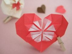 4 different ways to make origami hearts, great for Valentines Day!