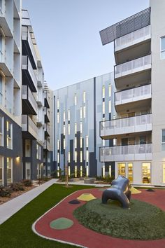 Station Center Family Housing / David Baker + Partners Architects