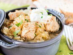 Zartes Putenfleisch und frische Säure durch das Sauerkraut lassen diese Szegediner Gulaschvariante besonders lecker werden. Probier es aus!
