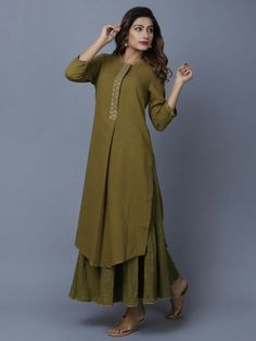 A Kurta to go with every occasion, be it printed embroidered or sequined. Shop from a wide Variety of most beautiful Kurtas in Pure Silk, Cotton & Linens & in vibrant colors. Dress Neck Designs, Stylish Dress Designs, Designs For Dresses, Stylish Dresses, Fashion Dresses, Simple Kurti Designs, Salwar Designs, Kurta Designs Women, Kurti Designs Party Wear