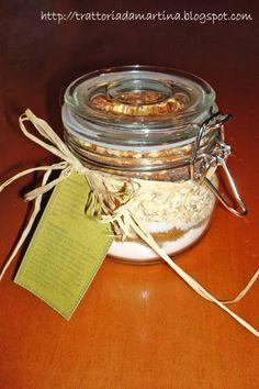 Biscottini in barattolo. Una bellissima idea regalo per Natale (un po' in anticipo ;-) )