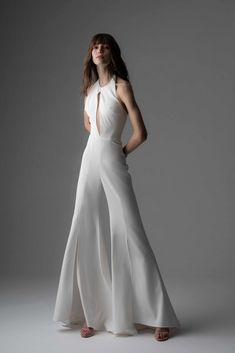 838a5a7546 11 Fall 2019 Wedding Dress Trends You Have to See | Brides Wedding Suits  For Bride