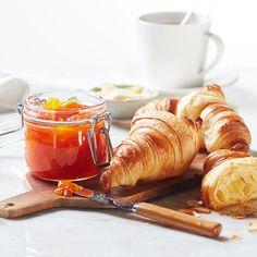 Spännande smakmöte som förgyller helgfrukosten.