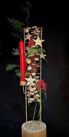 Christmas Candle, Blue Christmas, Diy Christmas Ornaments, Christmas Decorations, Xmas, Candle Arrangements, Flower Arrangements, Diy Weihnachten, Ikebana