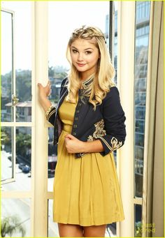 Stefanie Scott gets comfy with a bowl of popcorn in these new photo shoot pics held at the Sunset Tower Hotel in Hollywood last weekend.
