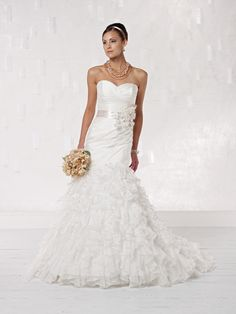 Kathy Ireland for Mon Cheri - Bridal  »  Style No. 231225  »  kathy ireland for Mon Cheri