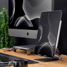 Our updated Satechi stand quickly elevates any mobile device or tablet for an optimal viewing experience. Constructed from solid aluminum, the supporting grips are finished in rubber to hold your tablet without scratching or slipping. Electronics Gadgets, Technology Gadgets, Tech Gadgets, Medical Technology, Energy Technology, Iphone 3gs, Aluminum Hinges, Computer Desk Setup, Desk Essentials