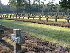 El cementerio militar alemán de Lommel, se encuentra en la Ciudad Belga de Lommel . Aquí yacen enterrados soldados alemanes de ambas guerras. Siendo el Cementerio más grade de fuera de Alemania. Consta de 16 hectáreas de gran tamaño (427x350 m) y hay 38.560 soldados enterrados, pertenecientes a los departamentos de Henri-Chapelle, Fosse, Overrepen y Neuville-en-Condroz, siendo inagurado en 1953.