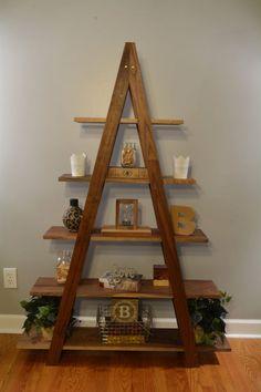 Estante de libro de escalera en cascada image 1 Diy Home Decor Projects, Diy Pallet Projects, Decor Ideas, Wood Projects, Room Ideas, Beginner Woodworking Projects, Diy Woodworking, Woodworking Classes, Shabby Chic Homes