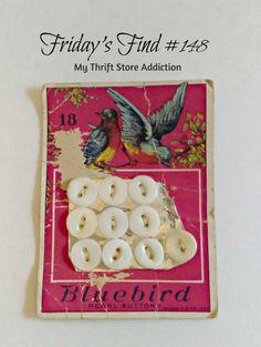 Vintage Bluebird button card featuring gorgeous colors and design: mythriftstoreaddiction.blogspot.com