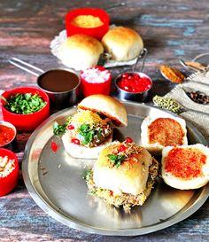 Tamarind Date Chutney, Indian Fast Food, Garlic Chutney, Friend Recipe, Gujarati Recipes, Roasted Peanuts, Saute Onions, Coriander Seeds, Indian Dishes