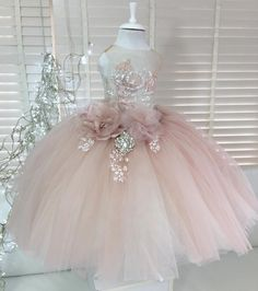 Billowing In powder pink is a beautiful confection of a gown perfect for the very special of occasions. The Gorgeous skirt features Kids Party Wear Dresses, Girls Pageant Dresses, Gowns For Girls, Prom Dresses Blue, Bridesmaid Dresses, Cute Flower Girl Dresses, Flower Girl Tutu, Little Girl Dresses, Flower Girls