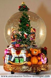 Boule à neige musicale de Noël avec mécanisme musical traditionnel à ressort de 18 lames - Référence boule à neige musicale de Noël : 49023