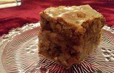 Ο Τζουλαμάς είναι παραδοσιακό αποκριάτικο γλυκό της Μεσσαράς.Ευχαριστούμε θερμά τη Γιαγιά Στέλλα για τη συνταγή! Υλικά για 10 άτομα Για το φύλλο 3 φύλλα χωριάτικα 100 ml γάλα εβαπορέ Greek Desserts, Pie, Cakes, Food, Torte, Cake, Cake Makers, Fruit Cakes, Kuchen