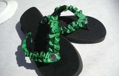 Flip Flop Re-Fashion.I will definately be trying this for Kiley this summer.