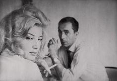 Michelangelo Antonioni, Gena Rowlands, People Smoking, Josephine, Faye Dunaway, Boy Meets Girl, Italian Actress, Scene Image, Robert Redford