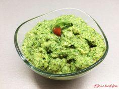 Rukolové pesto se semínky - eKucharka.cz Pesto, Guacamole, Mexican, Ethnic Recipes, Food, Essen, Meals, Yemek, Mexicans