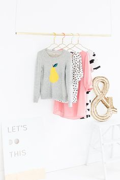 HOME   DIY Color Dipped Clothes Hangers