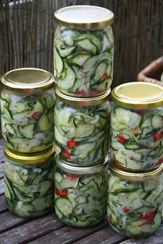 MojeTworyPrzetwory: Sałatka z cukini na zimę Polish Recipes, Canning Recipes, Pickles, Cucumber, Salads, Food And Drink, Veggies, Yummy Food, Healthy Recipes