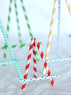 Paper Straw Easels look pretty easy to make and how cute would they be holding menus at a kid's party or signs next to candy bars and other food stations.