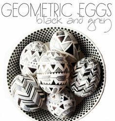 Ostereier in Schwarz Weiß gemustert geometrisch
