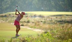 LPGA: Lexi Thompson left wrist flat; right wrist bent back (waiter's tray)