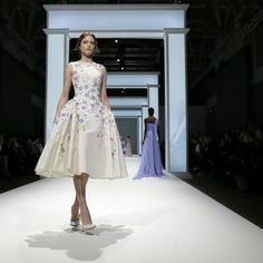 A Floral Return for Ralph & Russo Spring/Summer 2015 Couture | SENATUS