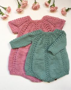 Seraphina Romper pattern by Anne Dresow Ravelry: Seraphina Romper pattern by Anne Dresow Seraphina R Knitting For Kids, Baby Knitting Patterns, Baby Patterns, Free Knitting, Crochet Pattern, Knit Crochet, Knitted Baby Clothes, Knitted Romper, Baby Knits