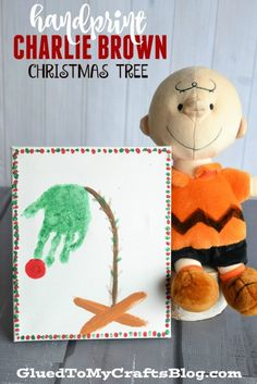 Handprint Charlie Brown Christmas Tree Keepsake - Christmas crafts - Home Baran Kids Crafts, Christmas Crafts For Kids, Christmas Projects, Preschool Crafts, Christmas Themes, Holiday Crafts, Holiday Fun, Christmas Gifts, Christmas Handprint Crafts